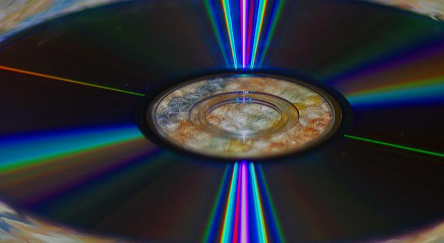 【CD離れ】カニエ・ウェスト、二度とCDは出さないと発言