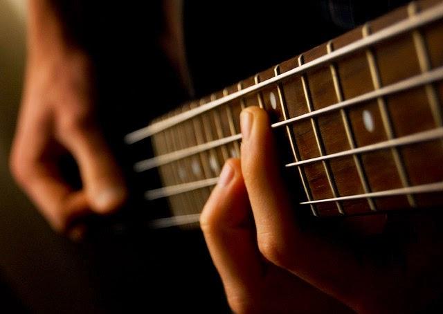 ベース初心者にオススメの練習曲、自信を持って紹介する