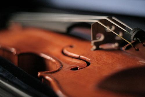 ミハレ、バイオリンと歌声が作る優しい雰囲気