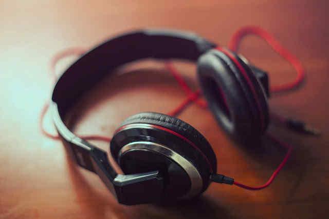 イギリス音楽市場の売上もストリーミングが約3割を占める[2016]